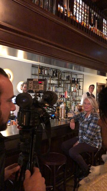 SO YANG® en tournage au bar de l'hôtel Jean Monnet Cognac